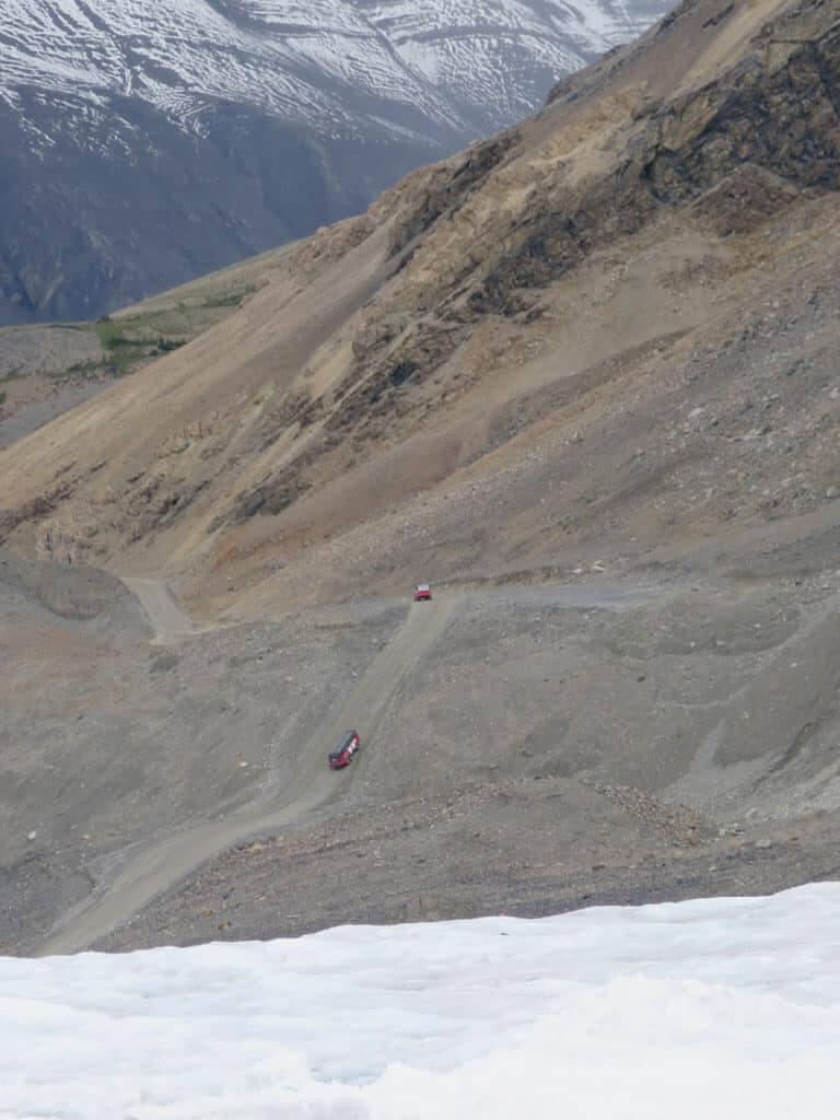 Athabasca Glacier mit Ice Explorer Busse