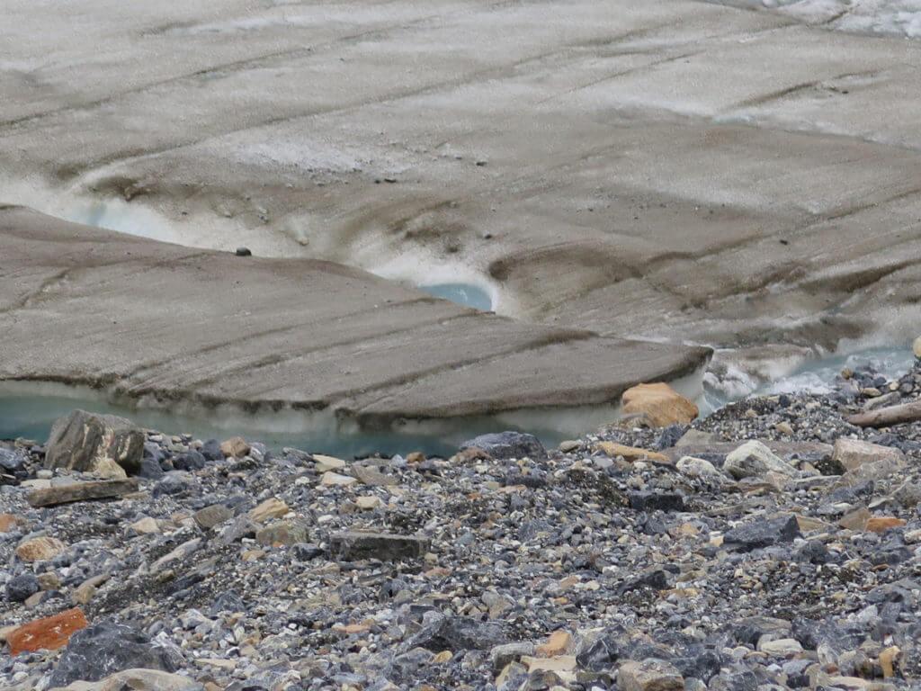 Athabasca Gletscher, Steine und Eis